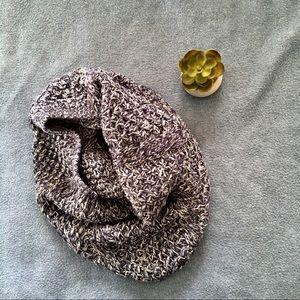 Gap • Knitted Circle Scarf